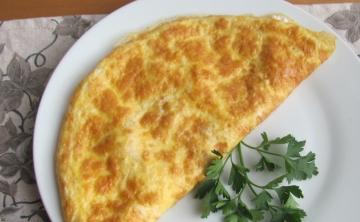 Омлет със сирене